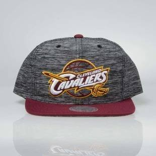 Mitchell & Ness snapback Cleveland Cavaliers black / burgundy INTL006 Prime Knit