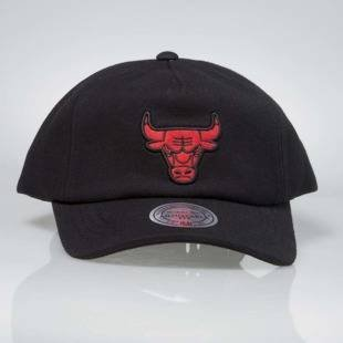 Mitchell & Ness snapback cap Chicago Bulls black INTL014 Throwback