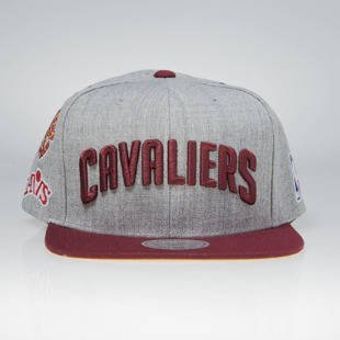 Mitchell & Ness snapback cap Cleveland Cavaliers grey / burgundy 058VZ TEAM LOGO HISTORY
