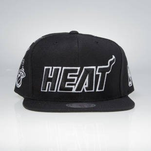 Mitchell & Ness snapback cap Miami Heat black 059VZ TEAM LOGO HISTORY