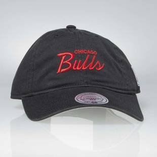 Mitchell & Ness strapback Chicago Bulls black Special Script