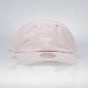 Mitchell & Ness strapback Chicago Bulls pink QB74Z Micro Suede Slouch