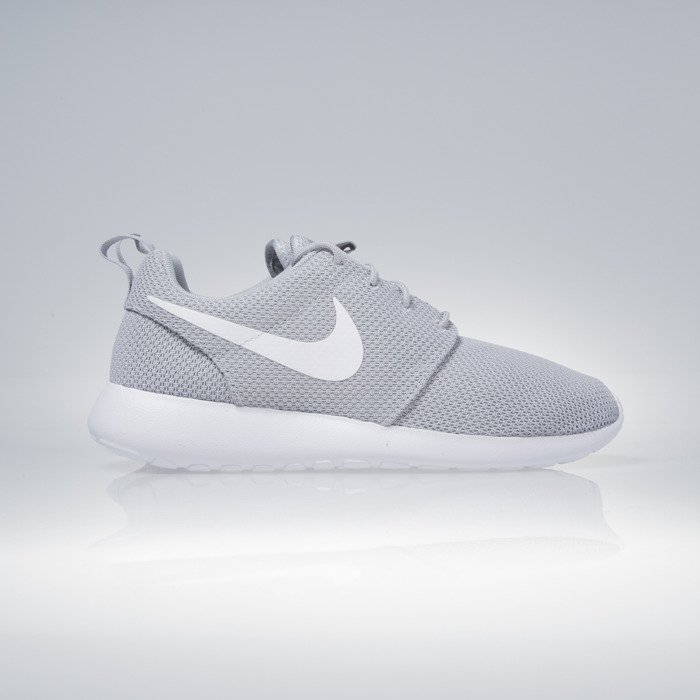 nike roshe one wolf grey white 511881 023. Black Bedroom Furniture Sets. Home Design Ideas