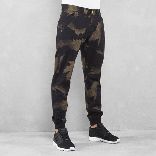 Backyard Cartel chino Leaves jogger fit black