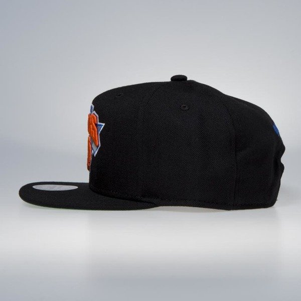 963204d4bc7 Cap Mitchell   Ness snapback New York Knicks black Wool Solid   Solid 2