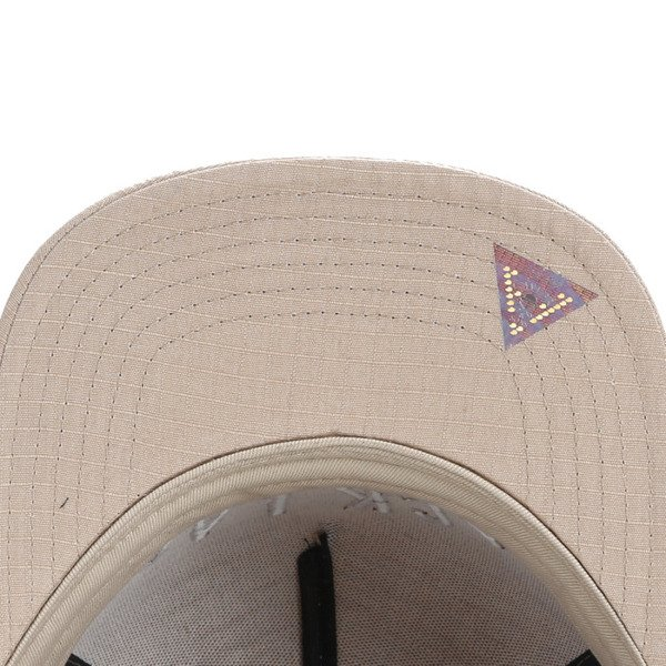 Cayler & Sons Black Label snapback  Black Arch Cap sand / white BL-CAY-AW16-15-02