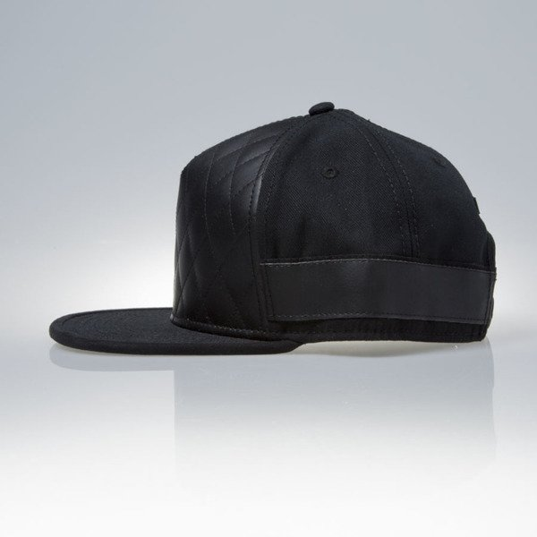 Cayler & Sons Black Label snapback Pyramid Cap black / black (BL-CAY-SS16-11-02)