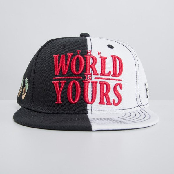 Cayler & Sons cap snapback The World Is Yours black / white WL-CAY-HD15-02