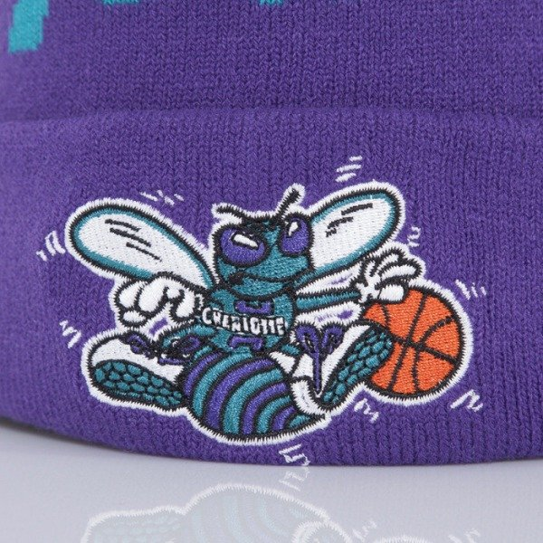 Mitchell & Ness beanie Charlotte Hornets purple Special Script Knit Bobble