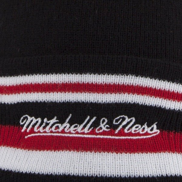 Mitchell & Ness beanie Miami Heat black Black Out Team with bobble KN45Z