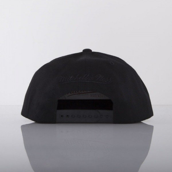 Mitchell & Ness cap Brooklyn Nets black Black Foil EU421