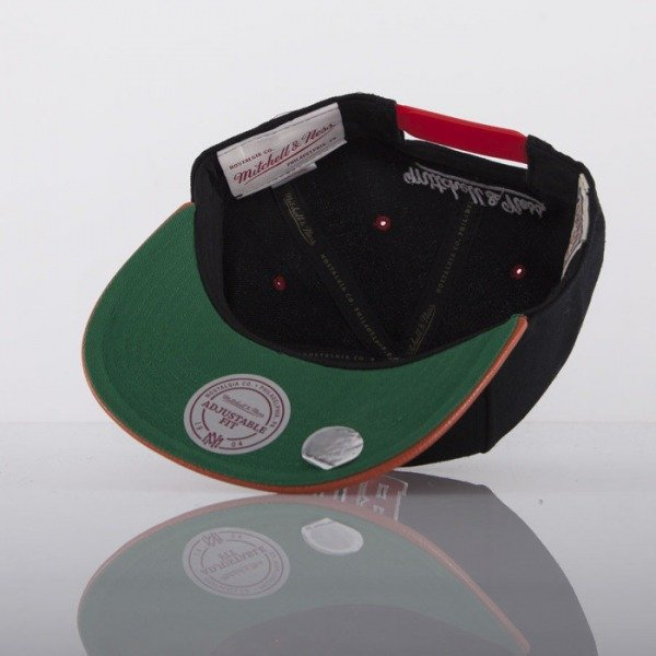 Mitchell & Ness cap Chicago Bulls black  MVP EU282