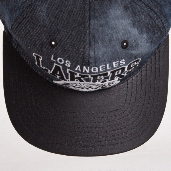 Mitchell & Ness cap Los Angeles Lakers black/denim Black Dyed EU234