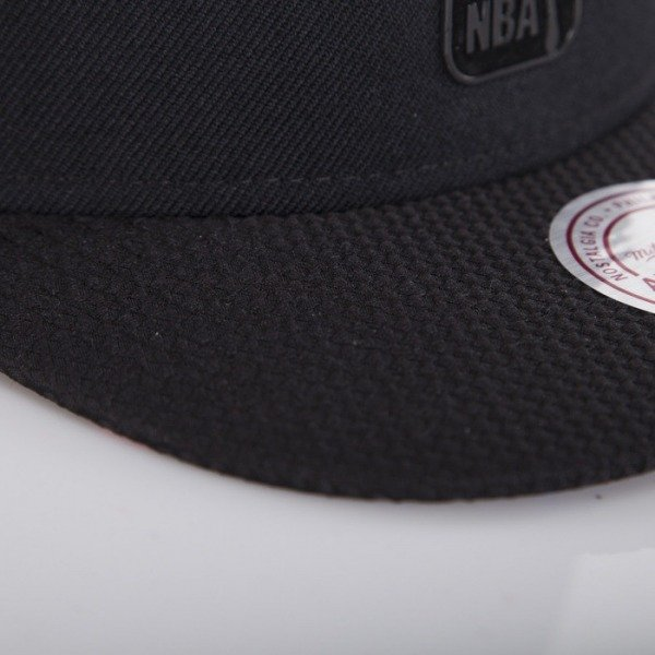 Mitchell & Ness cap NBA Logo black / purple Bellair EU415
