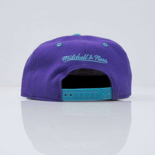 Mitchell & Ness cap snapback Charlotte Hornets purple Team Arch NA80Z