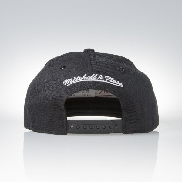 Mitchell & Ness cap snapback  Chicago Bulls black Black White EU901