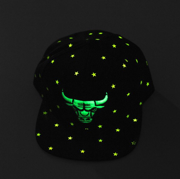Mitchell & Ness cap snapback Chicago Bulls black GITD Starry Night VU42Z