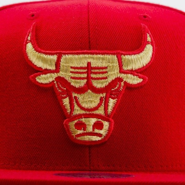 Mitchell & Ness cap snapback Chicago Bulls red EU691 METALLIC LOGO