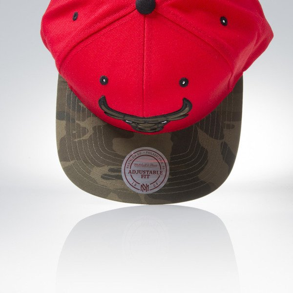 Mitchell & Ness cap snapback Chicago Bulls red / camo Camo Fill VC96Z