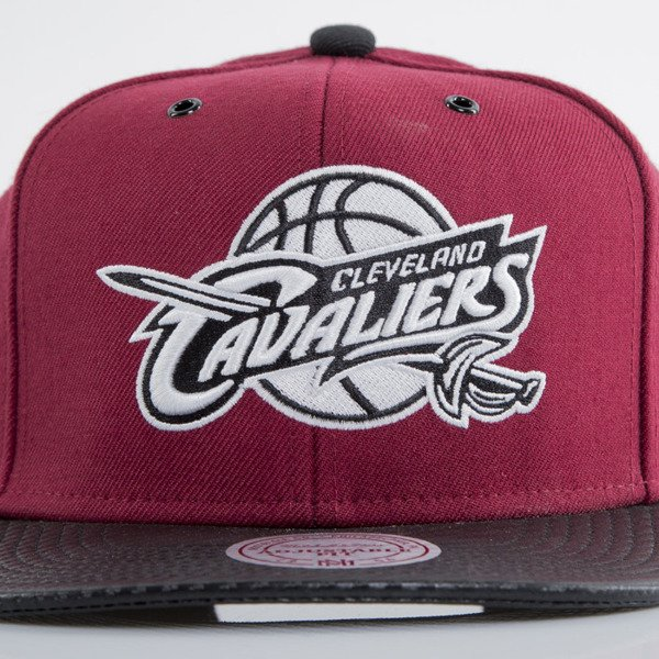 Mitchell & Ness cap snapback Cleveland Cavaliers maroon  WOOL SOLID NL99Z