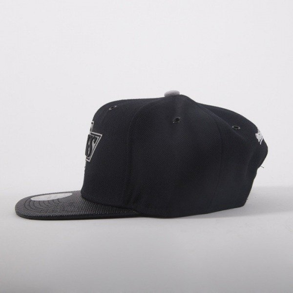 Mitchell & Ness cap snapback Los Angeles Kings  black Carbon Fibre EU281