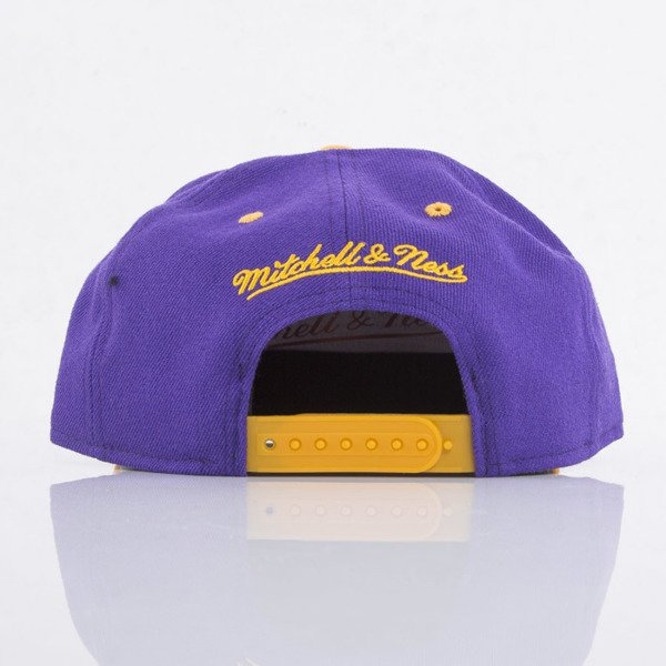 Mitchell & Ness cap snapback Los Angeles Lakers purple / yellow Team Arch NA80Z