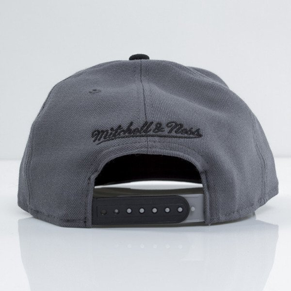 Mitchell & Ness cap snapback San Antonio Spurs grey Team Vivid EU434