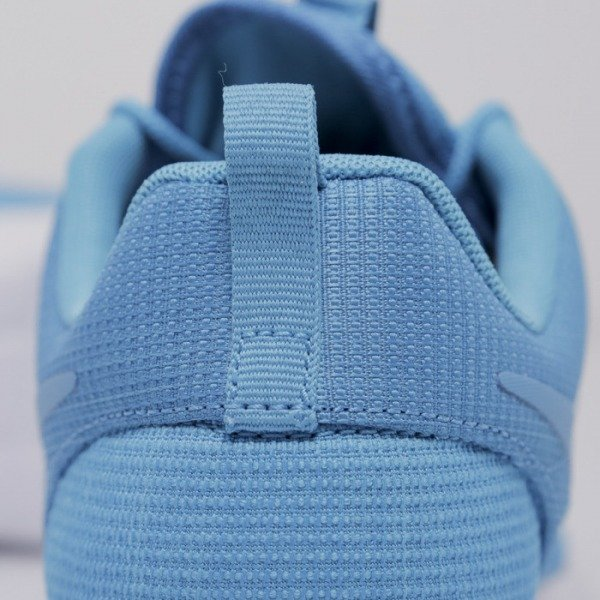 Sneakers Nike Roshe Run blue lagoon / blue lagoon - light blue lacquer - white  (511881-447)