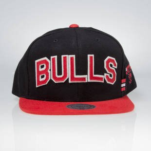 Czapka Mitchell & Ness snapback Chicago Bulls black / red VV24Z TRAINING ROOM