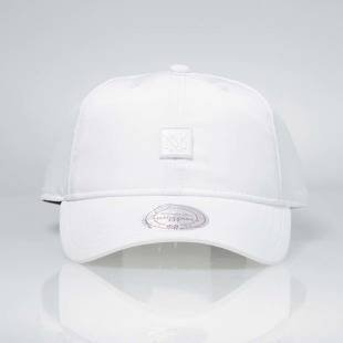 Czapka Mitchell & Ness strapback M&N Own Brand white INTL040 Volley