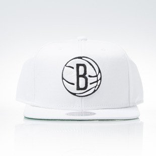 Mitchell & Ness czapka snapback Brooklyn Nets white WOOL SOLID NT78Z