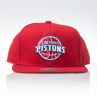Mitchell & Ness czapka snapback Detroit Pistons red WOOL SOLID NL99Z