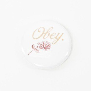 Obey przypinka pin Red Rose