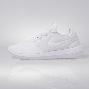 Sneakers buty Nike WMNS Roshe Two white (844931-100)