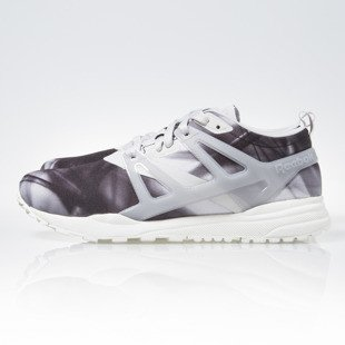 Sneakers buty Reebok Classic Ventilator Adapt Graphic steel / black / chalk (V69419)