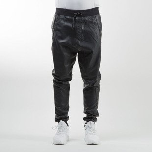 Urban Classics spodnie Deep Crotch Leather Imitation Pants black TB826