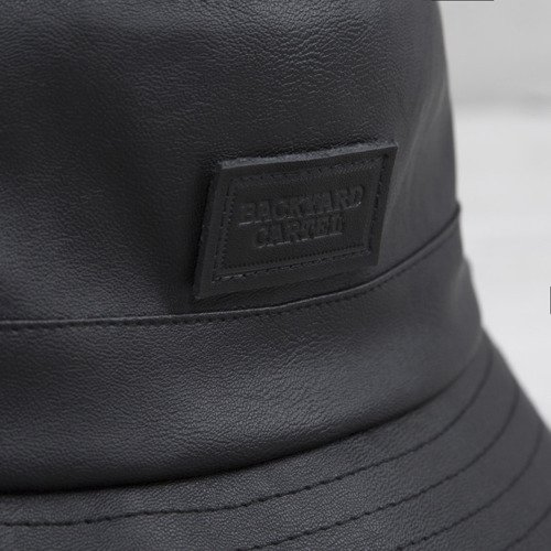 Backyard Cartel kapelusz bucket hat Leather black