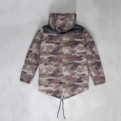 Backyard Cartel kurtka zimowa Parka long fit woodland camo