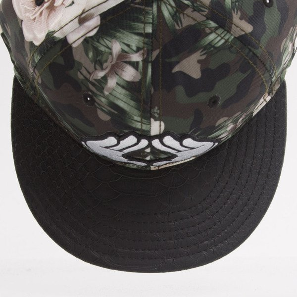 Cayler & Sons czapka snapback Brooklyn Soldier mc / black snake / white (WL-CAY-AW15-08-OS)