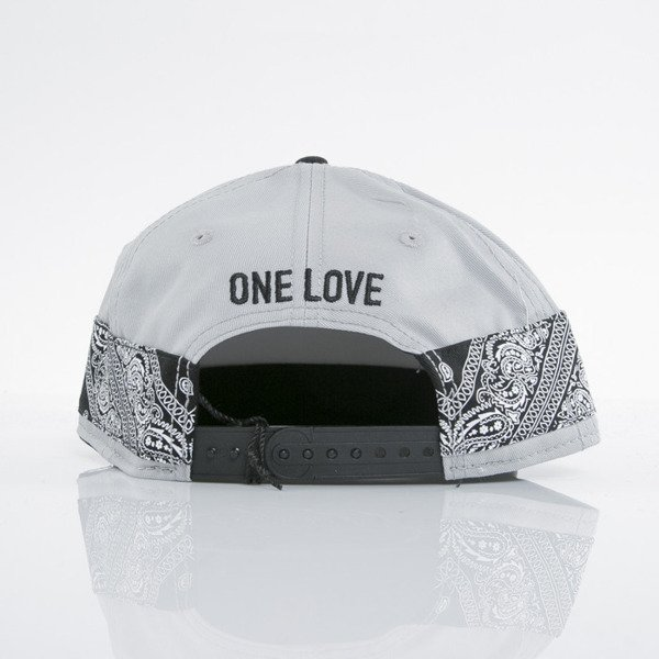 Cayler & Sons czapka snapback Eyes On Me grey / black / paisley (WL-CAY-AW15-19-01-OS)