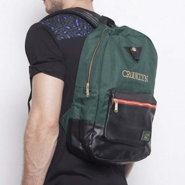 Cayler & Sons plecak Crooklyn Uptown green / black / red woodland (CAY-AW14-BP-01-05-OS)