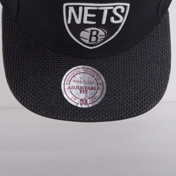 Mitchell & Ness czapka snapback Brooklyn Nets black Carbon Fibre EU281