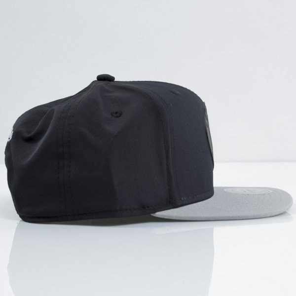 Mitchell & Ness czapka snapback Brooklyn Nets black Tract EU363