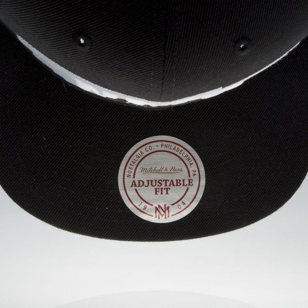 Mitchell & Ness czapka snapback Brooklyn Nets black Winning Streak VU81Z