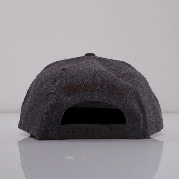 Mitchell & Ness czapka snapback Brooklyn Nets dark grey Charcoal Dune 2Tone EU426