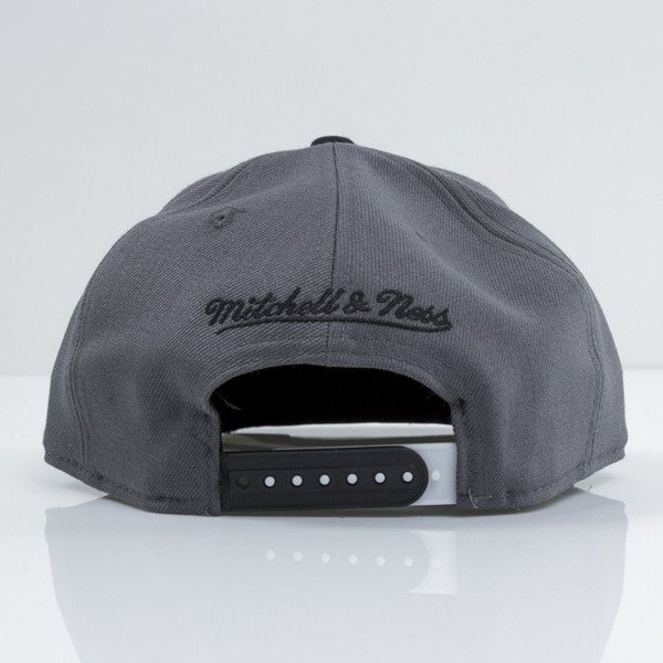 Mitchell & Ness czapka snapback Brooklyn Nets white Team Vivid EU434