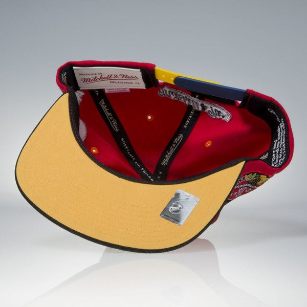 Mitchell & Ness czapka snapback Chicago Blackhawks red / black 2012-2013 Stanley Cup Champions VP23Z