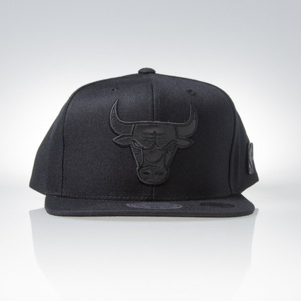 Mitchell & Ness czapka snapback Chicago Bulls black Base EU822