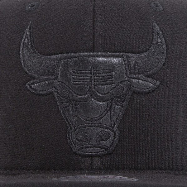 Mitchell & Ness czapka snapback Chicago Bulls black Black Out EU783