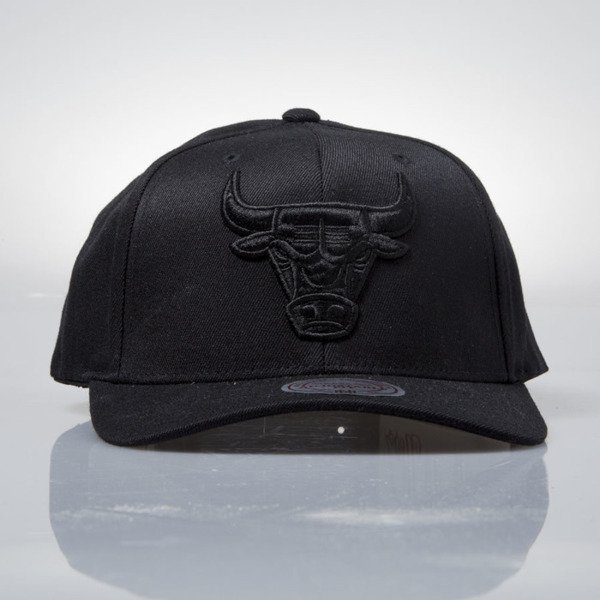 Mitchell & Ness czapka snapback Chicago Bulls black EU889 FLEXFIT 110